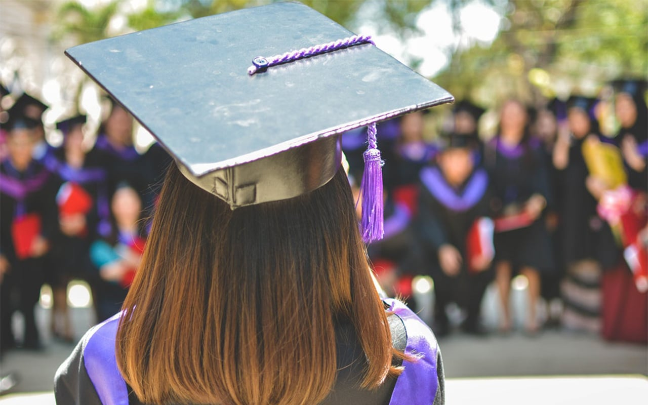 How To Apply For A Scholarship Program?